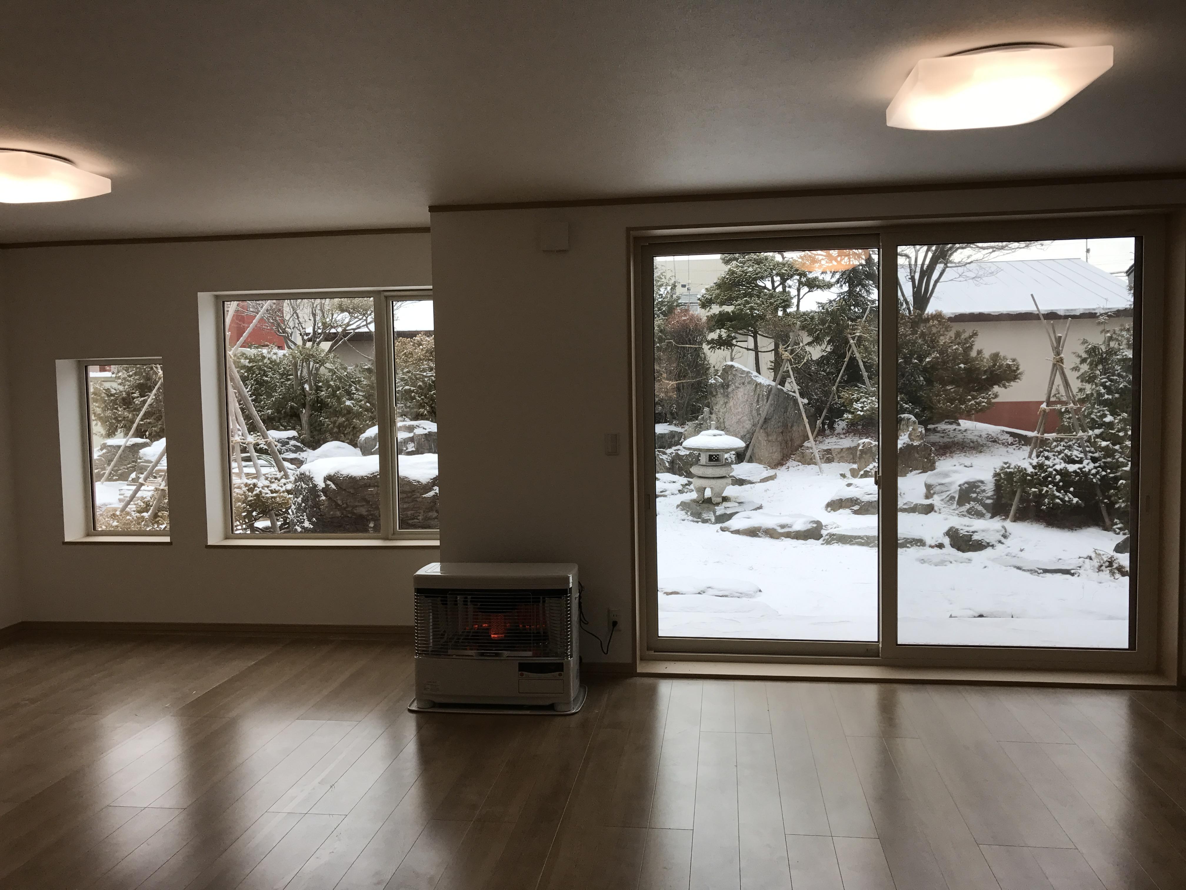 雪化粧した庭を一望!!